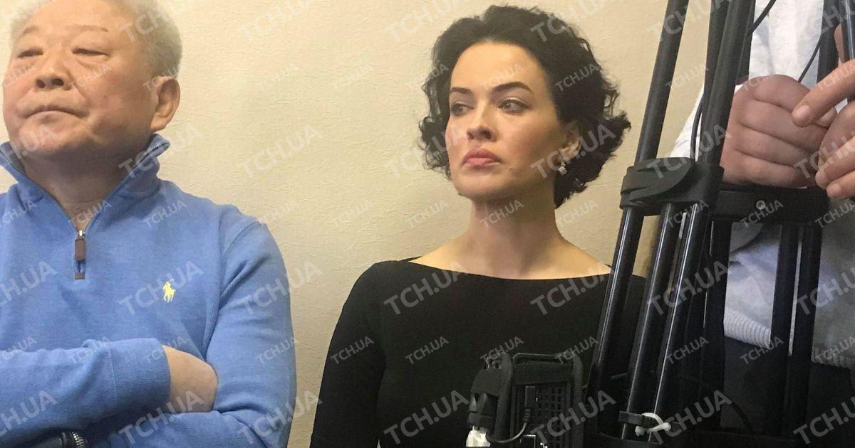 Заплаканную Астафьеву выгнали из зала суда, где судят ее жениха