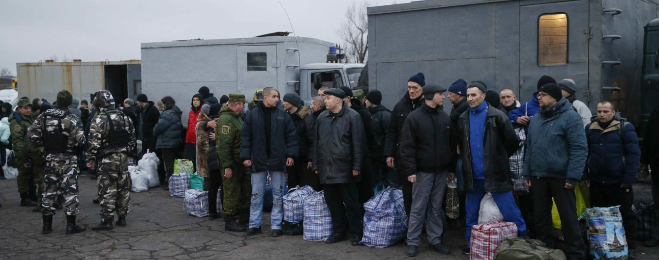Кілька звільнених на Донбасі заручників відмовилися від лікування через надмірну увагу ЗМІ