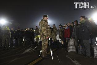 Порошенко заснував державну стипендію для підтримки українських заручників у російському полоні