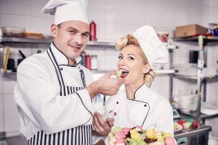 Звезды на съемках мюзикла: Огневич в платье со смелым декольте, Мирзоян и Матвиенко в образах поваров
