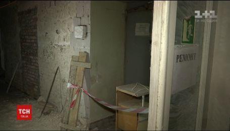 """Во Львовской больнице """"Охматдет"""" женщина упала в шахту лифта и погибла"""
