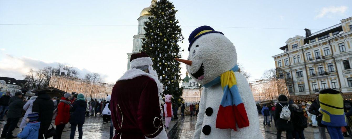 Специалисты посчитали, сколько денег украинцы готовы потратить на новогодние стол, подарки и развлечения