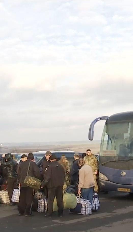 Чотирнадцять звільнених з полону військових виявилися дезертирами