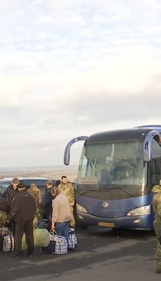 Четырнадцать уволенных из плена военных оказались дезертирами