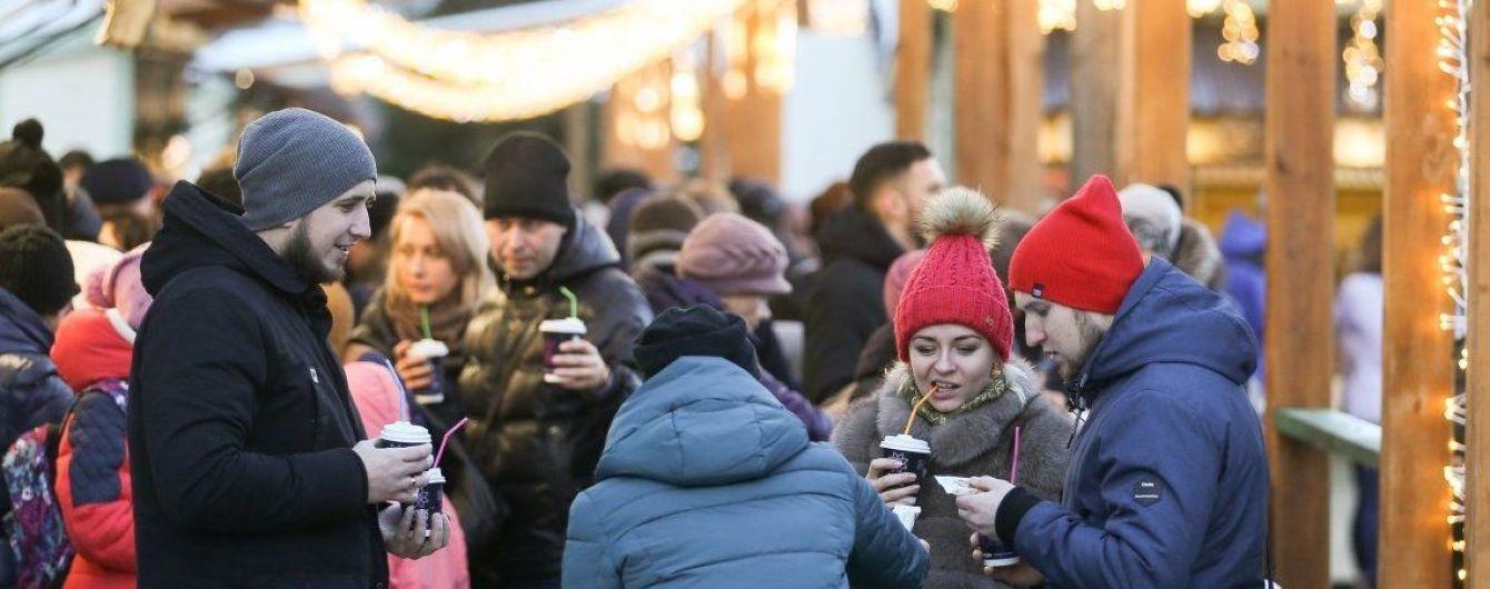 Роботу громадського транспорту у Києві на свято подовжать на три години