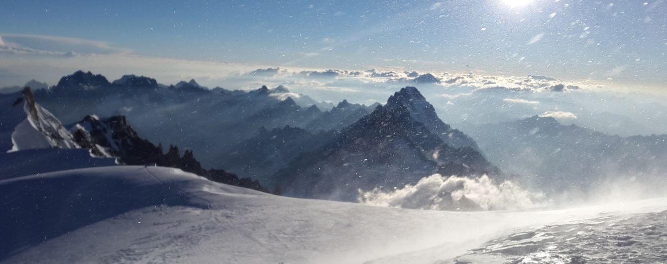 Около четырех тысяч человек застряли во Французских Альпах из-за непогоды