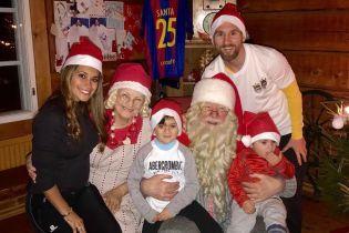 У родинному колі або з друзями: як футбольні зірки святкували Новий рік