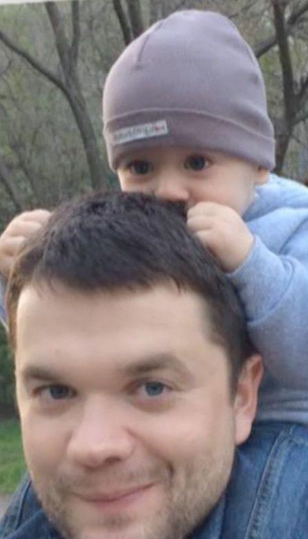 У Запоріжжі чоловік вистрибнув із вікна і впав на дитину