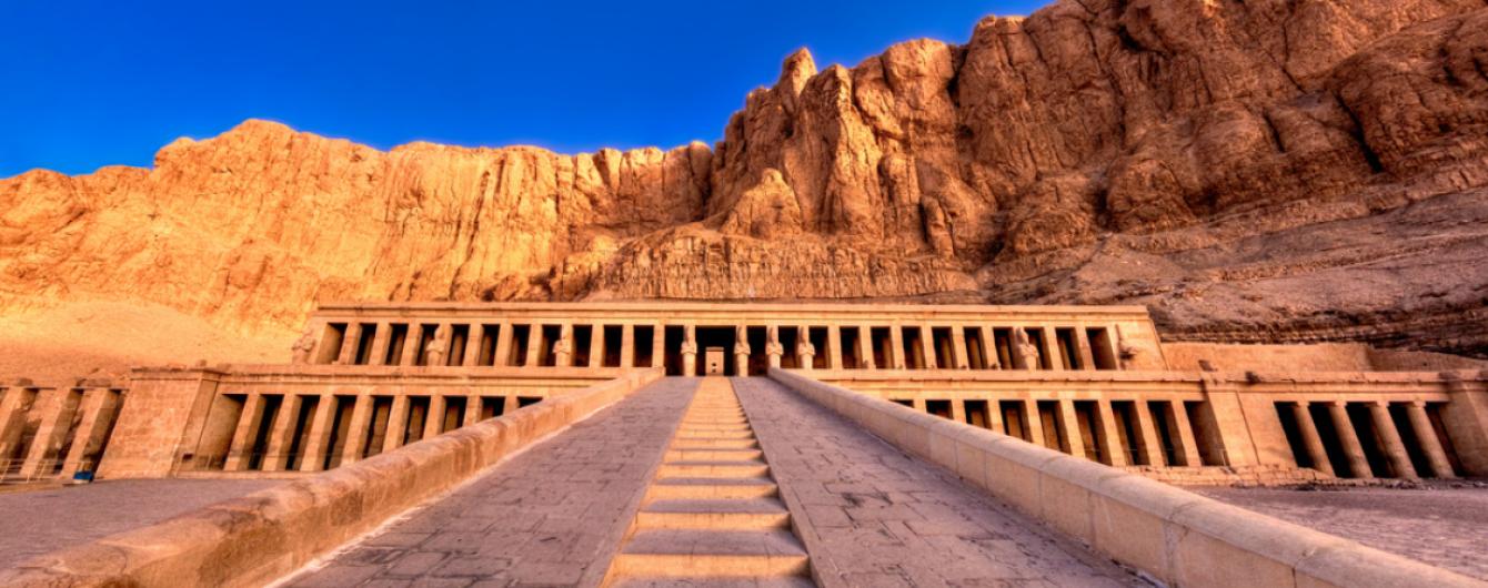 Чудеса Египта, о которых вы не знали: почему стоит посетить гробницу царицы Хатшепсут близ Луксора