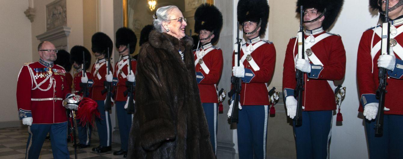 Переборщила с макияжем: 77-летняя королева Маргрете II на праздничном приеме