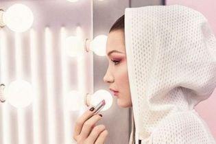Нежная и стильная Белла Хадид снялась в рекламной кампании новых оттенков помады от Dior
