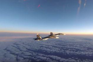З'явилось відео, як американські літаки перехоплюють російські винищувачі над Балтикою