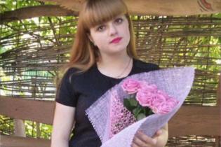 У Житомирі жорстоко побили студентку: дівчині порізали горло і кинули непритомною на дорозі