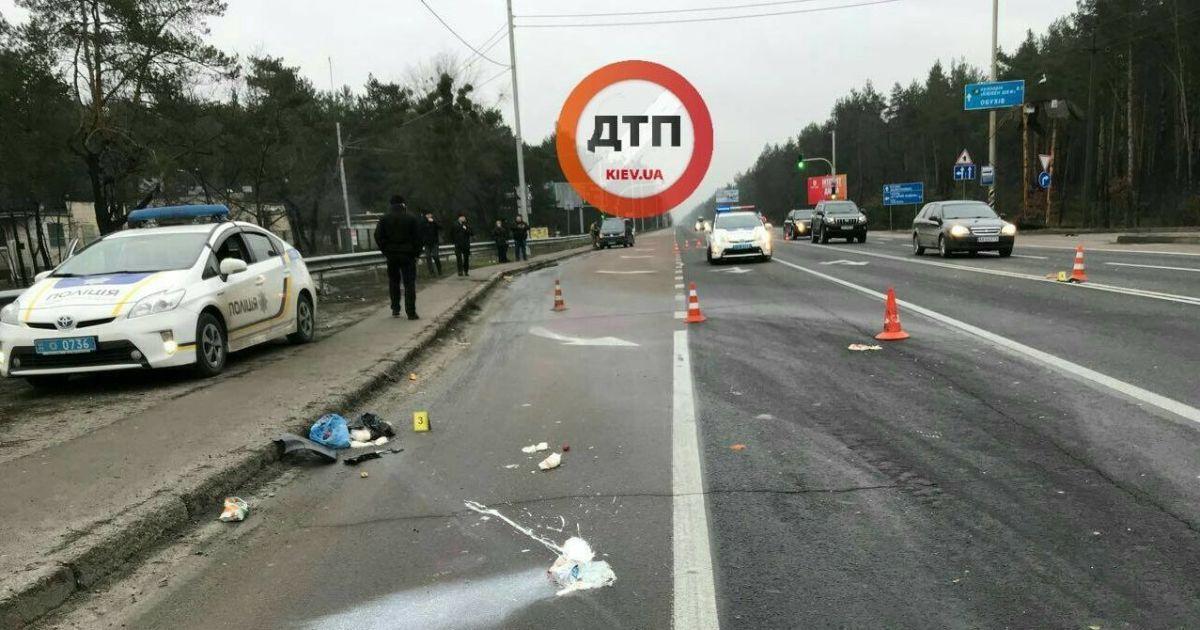 """В Конча-Заспе водитель """"Форда"""" насмерть сбил женщину на переходе и скрылся с места ДТП"""
