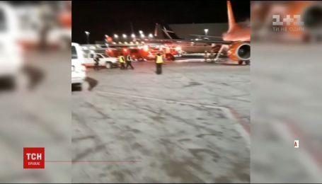 В аэропорту Торонто столкнулись два самолета