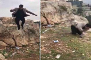 Громадянин Туреччини розбився, намагаючись зробити ефектне фото на історичній місцині