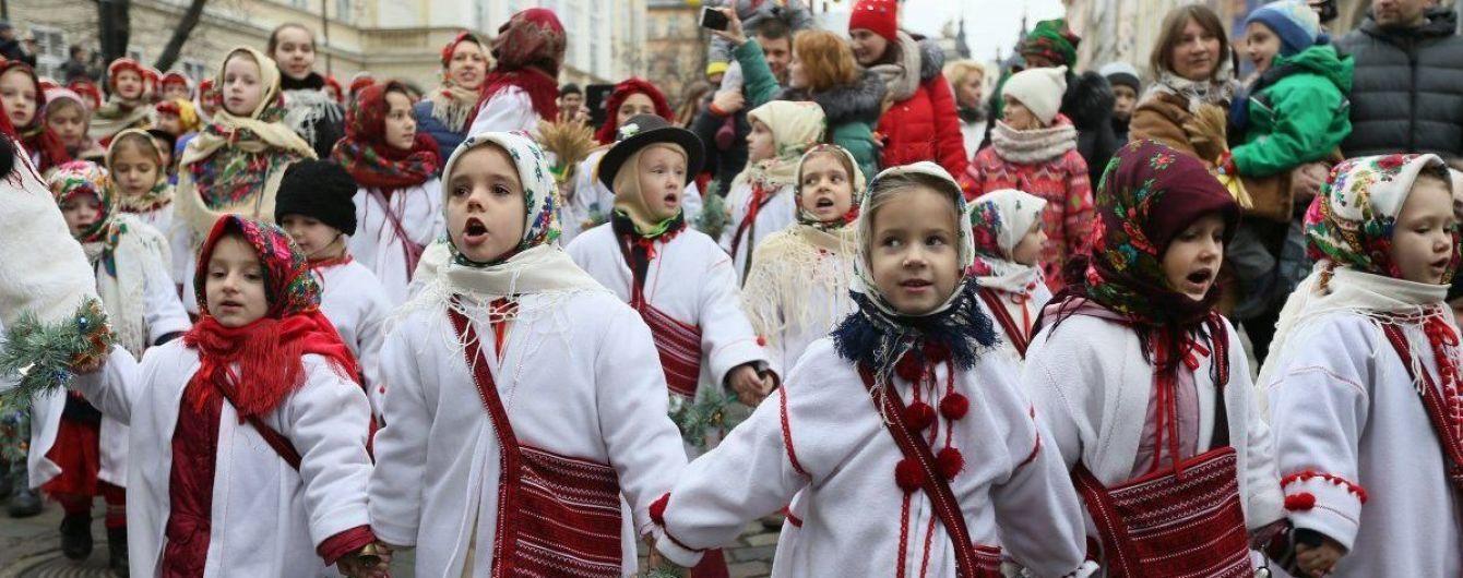 На Закарпатье двое детей отравились алкоголем во время колядования
