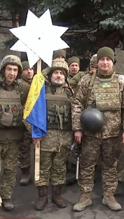 На передовій залунали українські колядки