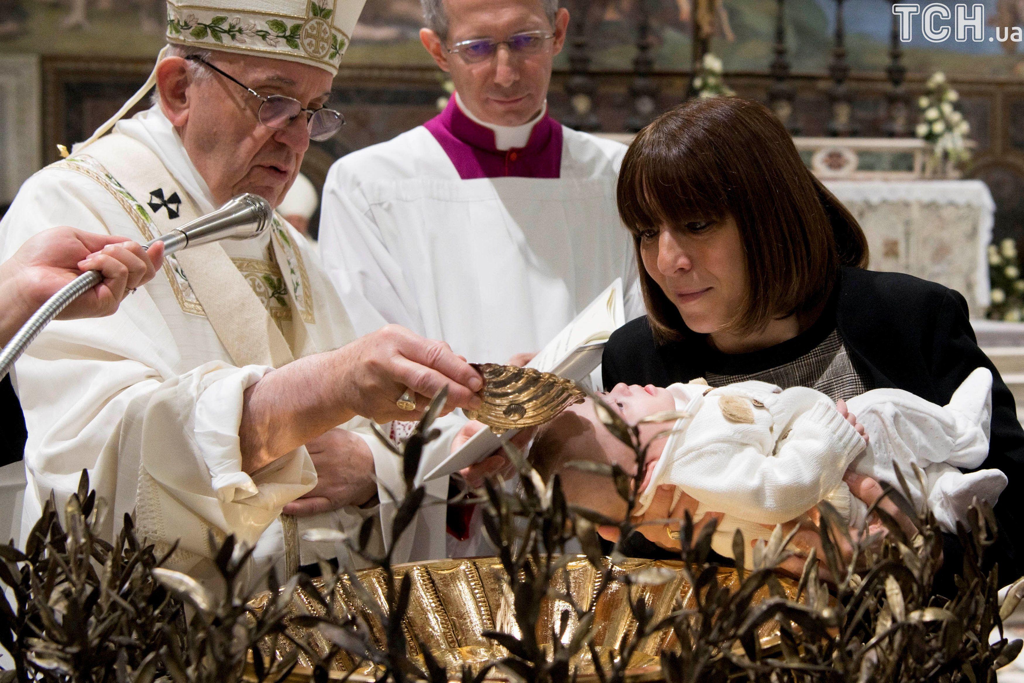 Папа Римський хрещення_2