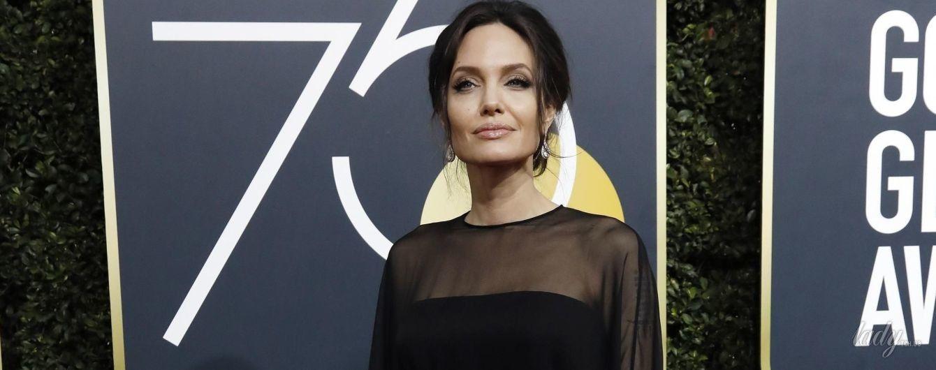 Битва черных платьев: Анджелина Джоли vs Дженнифер Энистон