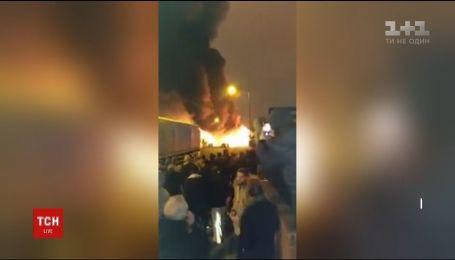 В Лондоне произошел жуткий пожар на фабрике