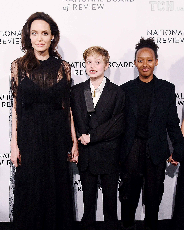 Анджеліна Джолі з доньками Шайло і Захарою_2