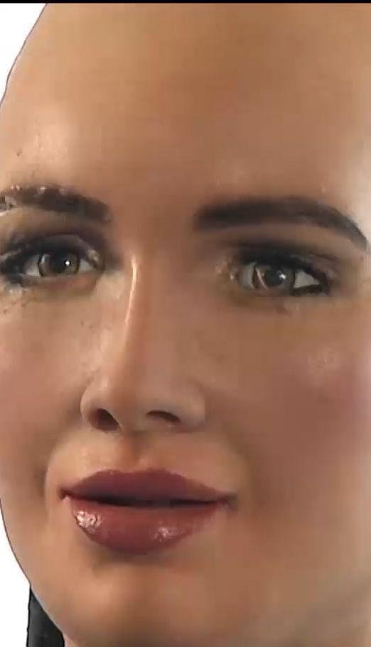 Известная на весь мир робот София теперь может ходить и танцевать