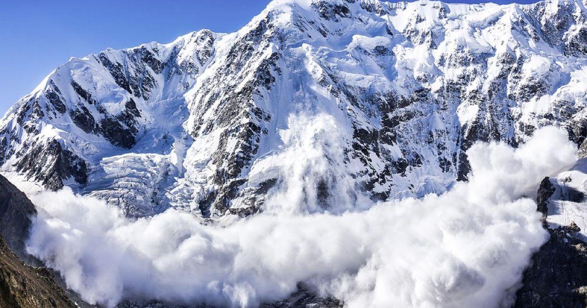 Спасатели предупредили о снеголавинной опасности в украинских горах