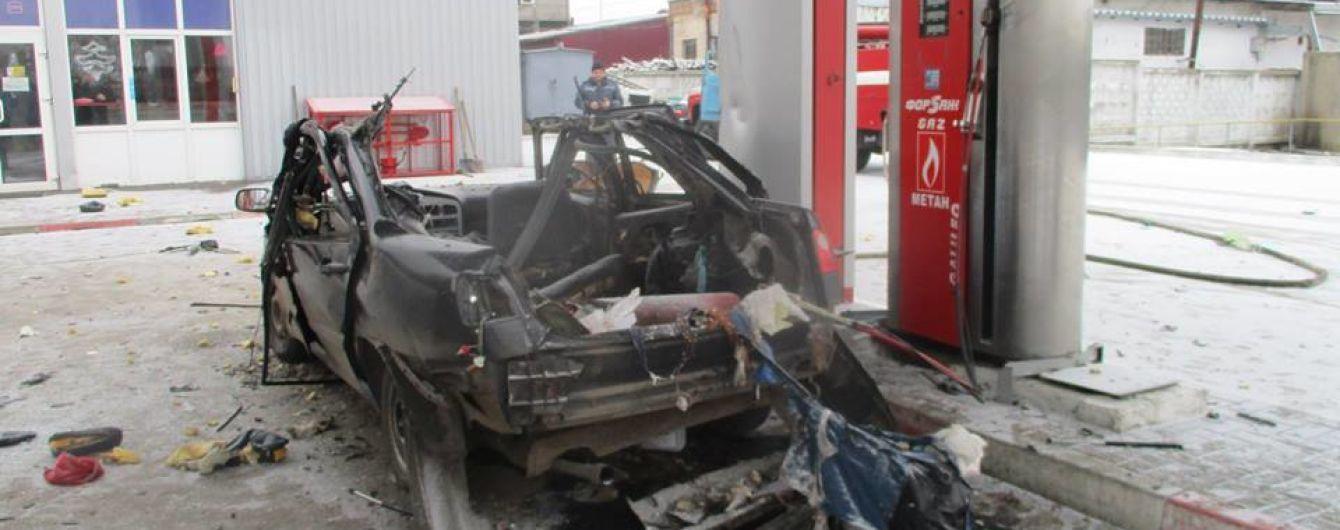 На Сумщині авто вибухнуло на газовій заправці, є постраждалі