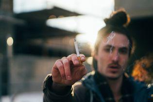 Ученые шокировали статистикой о количестве людей, которые уже после первой сигареты становятся постоянными курильщиками