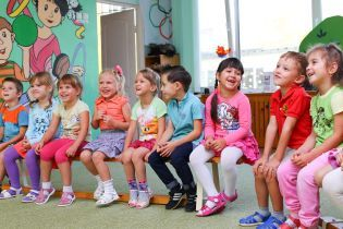 """Дети """"некиевлян"""" смогут ходить в столичные детсады бесплатно – в КГГА объяснили, что для этого надо"""
