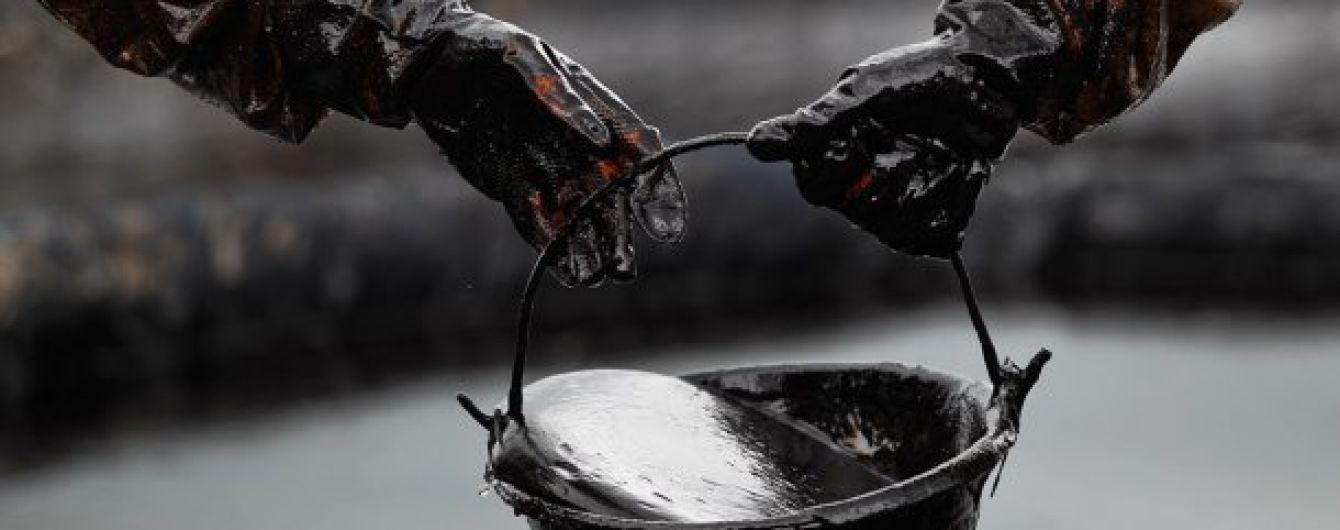 """На Львовщине группа лиц """"присосалась"""" в нефтепроводу и похитила десятки тонн черного золота"""