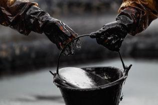 В Канаде в реку вылилось 40 тысяч тонн нефти