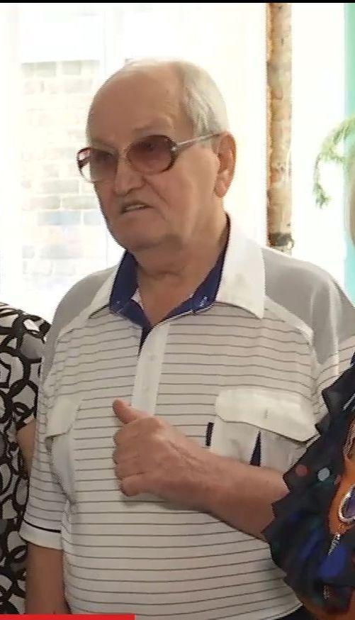 В Черкассах 77-летний дедушка открыл школу танцев и профессионально обучает пенсионеров