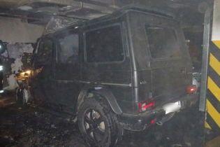 Сожженный в Киеве Gelandewagen принадлежал лидеру активистов в деле Ноздровской