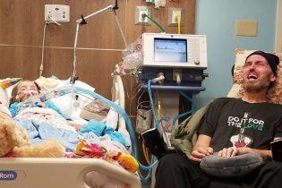 Американка за один рік може поховати доньку і тата. Вона показала пронизливе фото з лікарні