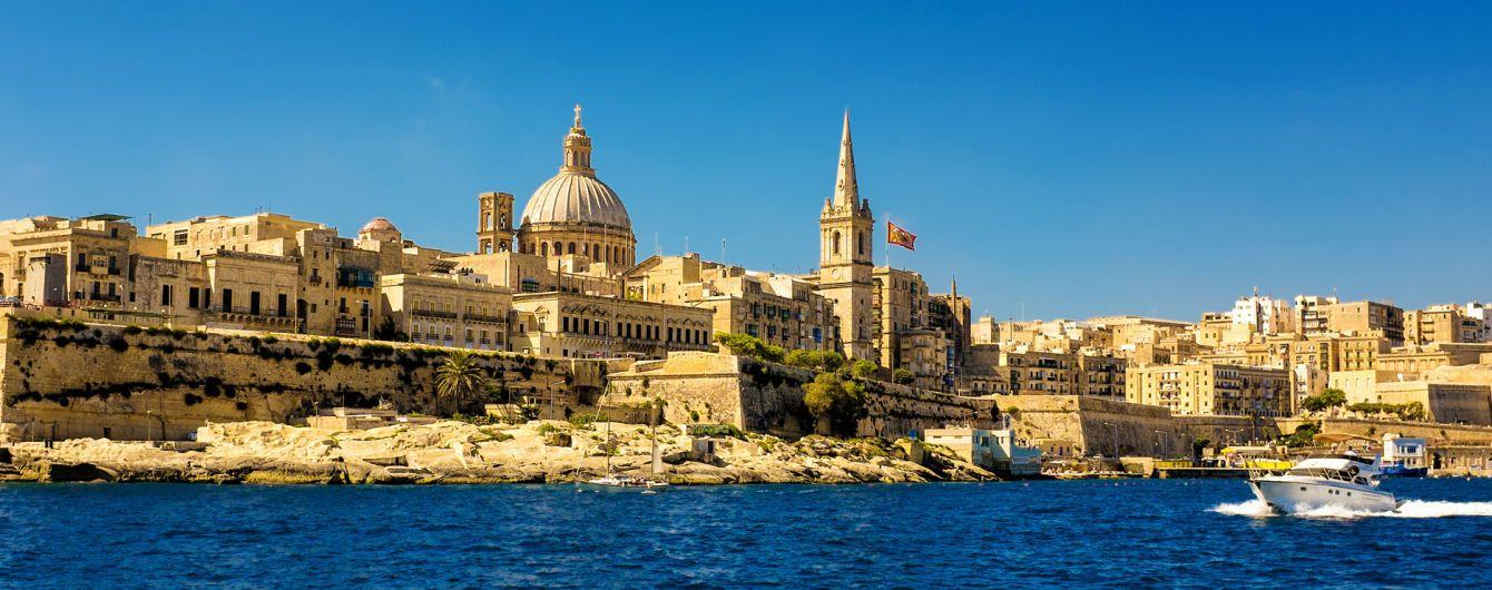 На Мальте автобус с туристами попал в аварию, есть погибшие