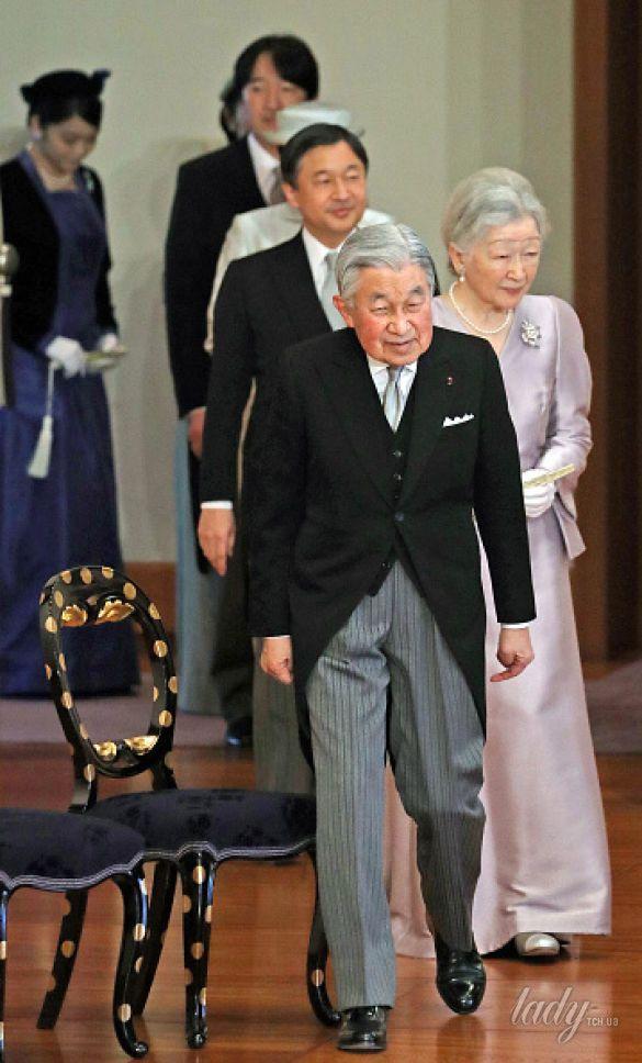 Император Японии Акихито императрица Митико