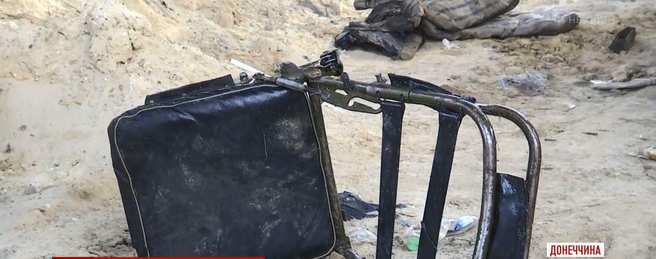 Обломки броневика разметало на сотни метров: ТСН побывала на месте гибели двух бойцов АТО