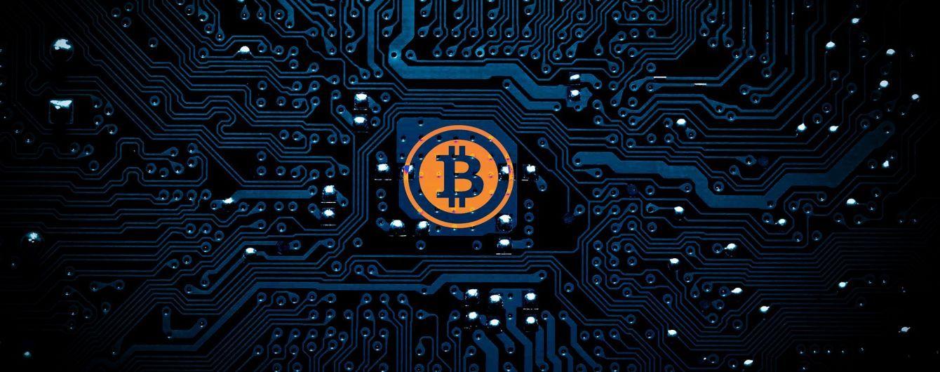 В луцком университете правоохранители обнаружили технику для майнинга криптовалюты