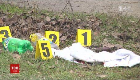 В Запорожье неизвестные расстреляли авто предпринимателя и украли сумку с деньгами