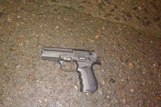 В Сумах мужчина устроил стрельбу в магазине и пытался скрыться от патрульных