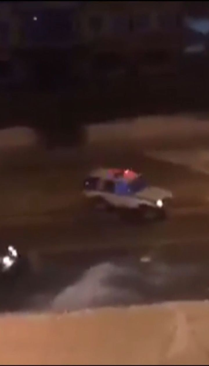 У Росії поліцейські намагалися зупинити авто порушника сніжками