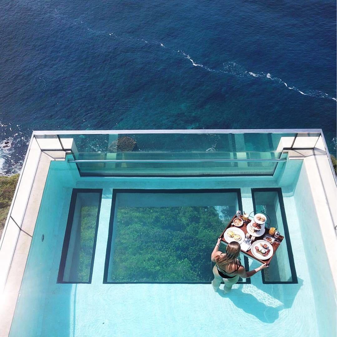 Готель з прозорим басейном, Балі_3