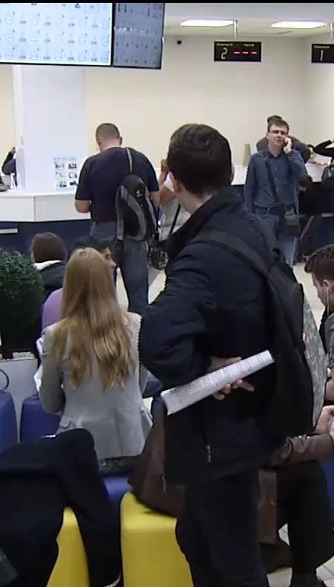 Черги за біометричними паспортами в Україні зникнуть через 3-4 місяці