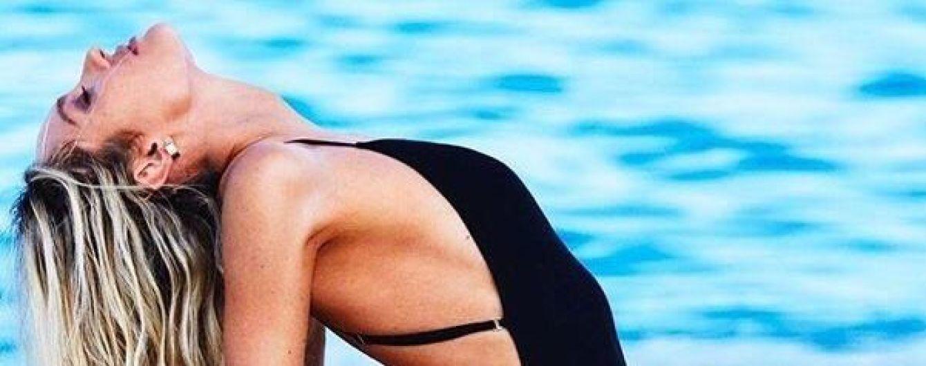 Длинноногая красотка Кэндис Свэйнпоул хвастается фигурой в новых купальниках