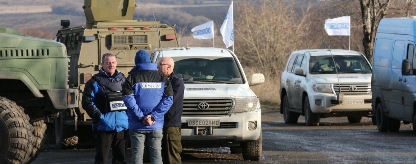 Под Ясиноватой террористы обстреляли наблюдателей ОБСЕ