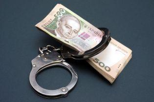 На Черниговщине из-за сделки таможенник ежемесячно обворовывал бюджет на миллион гривен