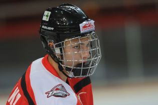 Український хокеїст закинув божевільну шайбу, якій позаздрили б навіть в НХЛ