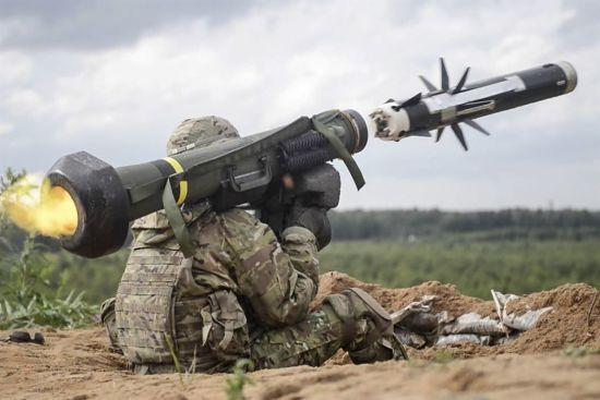 Україна закупить в США нову партію протитанкових комплексів Javelin
